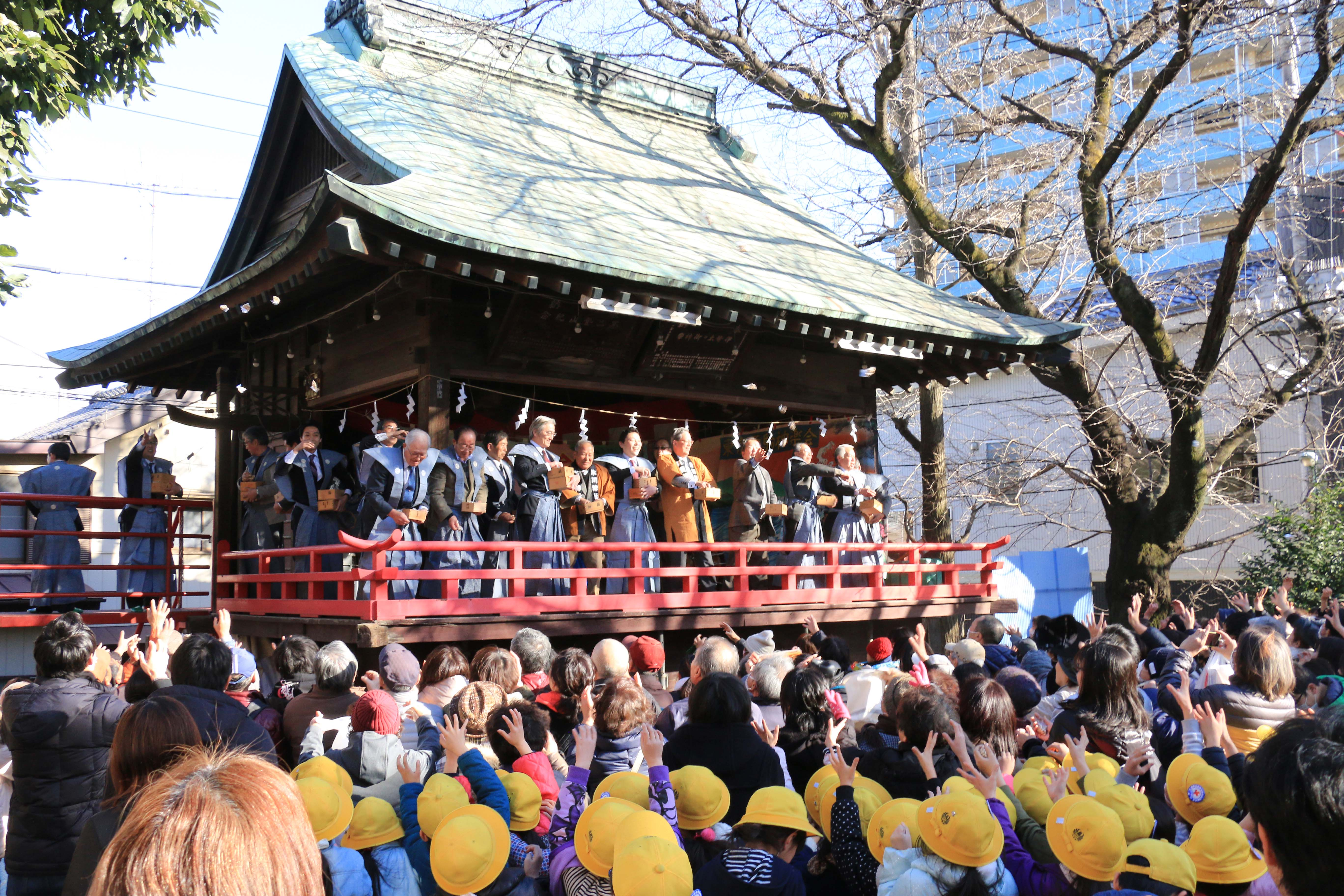 P14右上 通信員(鳩ヶ谷支店)鳩ヶ谷総鎮守氷川神社で節分祭