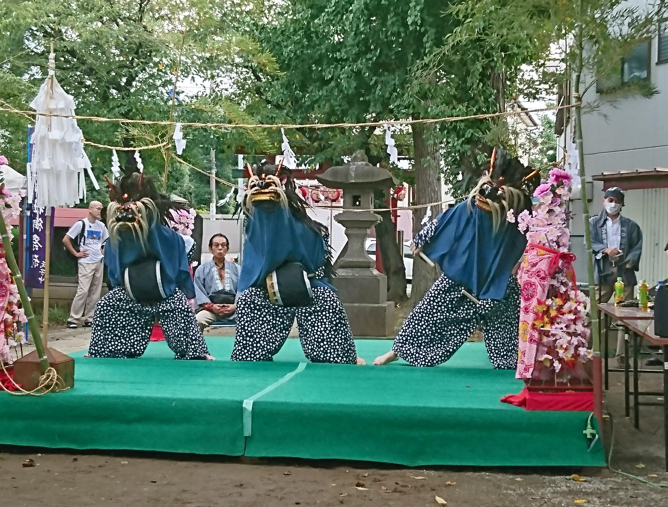 P18左上 通信員(新郷支店)獅子舞