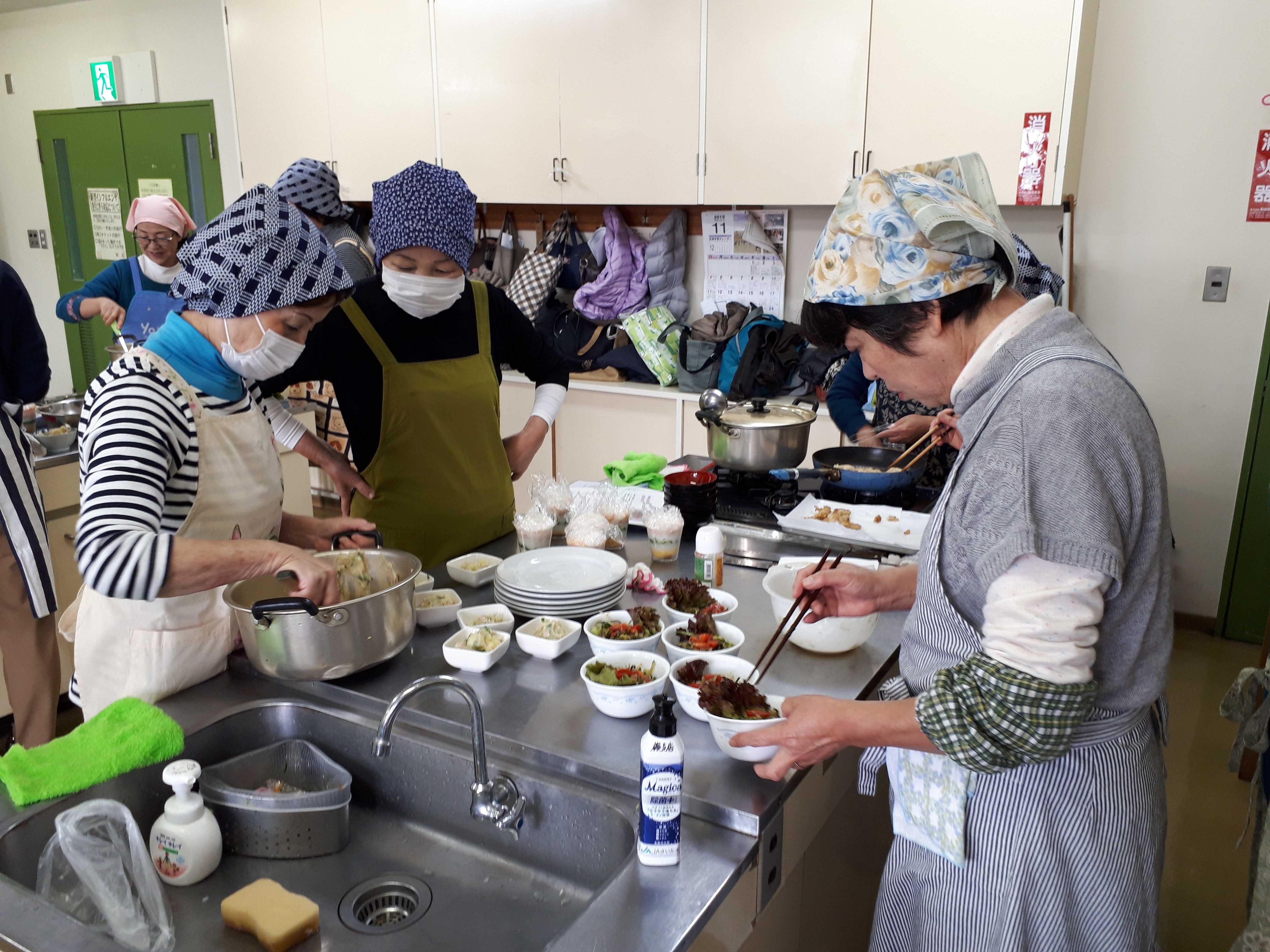 女性部料理教室(蕨支店)