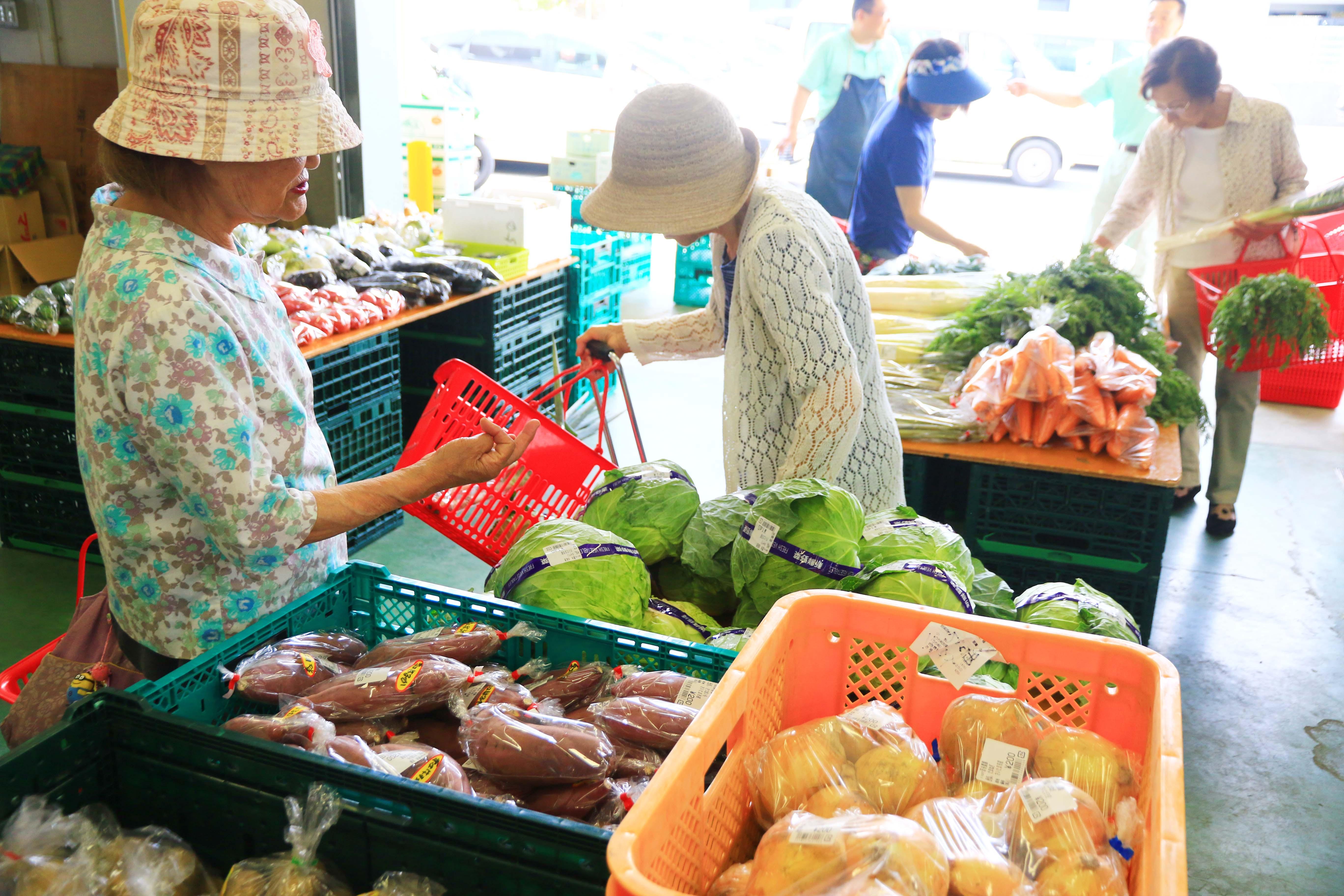 地元産新鮮野菜を出張販売(三橋支店:さいたま市)